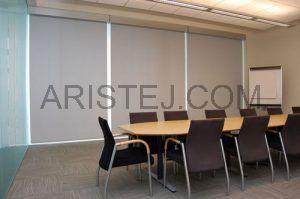 Рулонні штори в офісі
